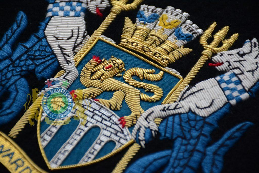 Queen Unicorn Lion Heraldry Honi Soit Badge Bullion Wire Regalia Unifrm Regimental Uniform Hand Machine Embroidery Badge Emblems Patches Bullion Wire Silver Gold